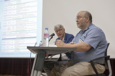 토론에 참가 중인 스티븐 밀러 하버드대 벨퍼센터 교수(오른쪽)와 스콧 세이건 국제안보협력센터(CISAC) 선임연구위원